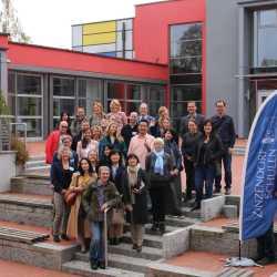 Besuch aus aller Welt an den Zinzendorfschulen