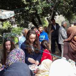 Zinzendorfschüler sammeln fast 1500 Euro für Schule im Flüchtlingscamp Ketermaya