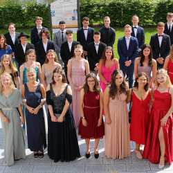 23 Einser-Abiturienten an den Zinzendorfschulen – Schnitt bei 2,11