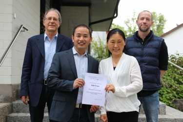 Großzügige Spende der Bildungsberatung Ouyang